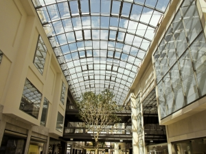 1386458_shopping_mall_2.jpg