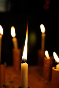 candle-light-burning-1437374-m.jpg