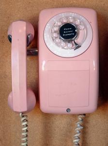 pink-telephone-1353144-m.jpg